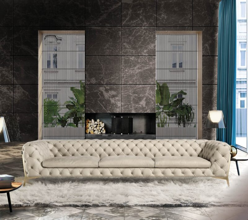 Belle Epoque From the experience and sartorial skill of the master craftsmen at Calia Italia comes the capitonné workmanship that covers this sofa, excluding only the embellished decorative seat border.