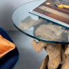 FEET 60 Side table in root with glass top. Shapes and dimensions vary due to the nature of the product
