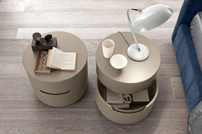 GLOBO 2 The Globo_2 night stands and dressers are characterized by their innovative and modern style thanks to the special design of the curve structure