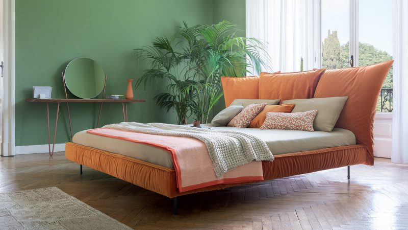 Madame C Madame C bed: the name is a tribute to Coco Chanel, who inspired its sophisticated and surprising taste.