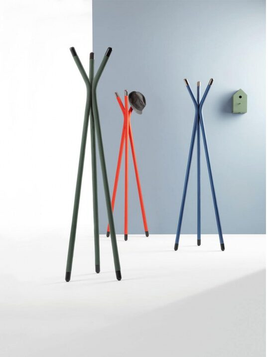 GUAPA Guapa coat rack with structure in lacquered steel, pink gold or black nickel. Hide mesh