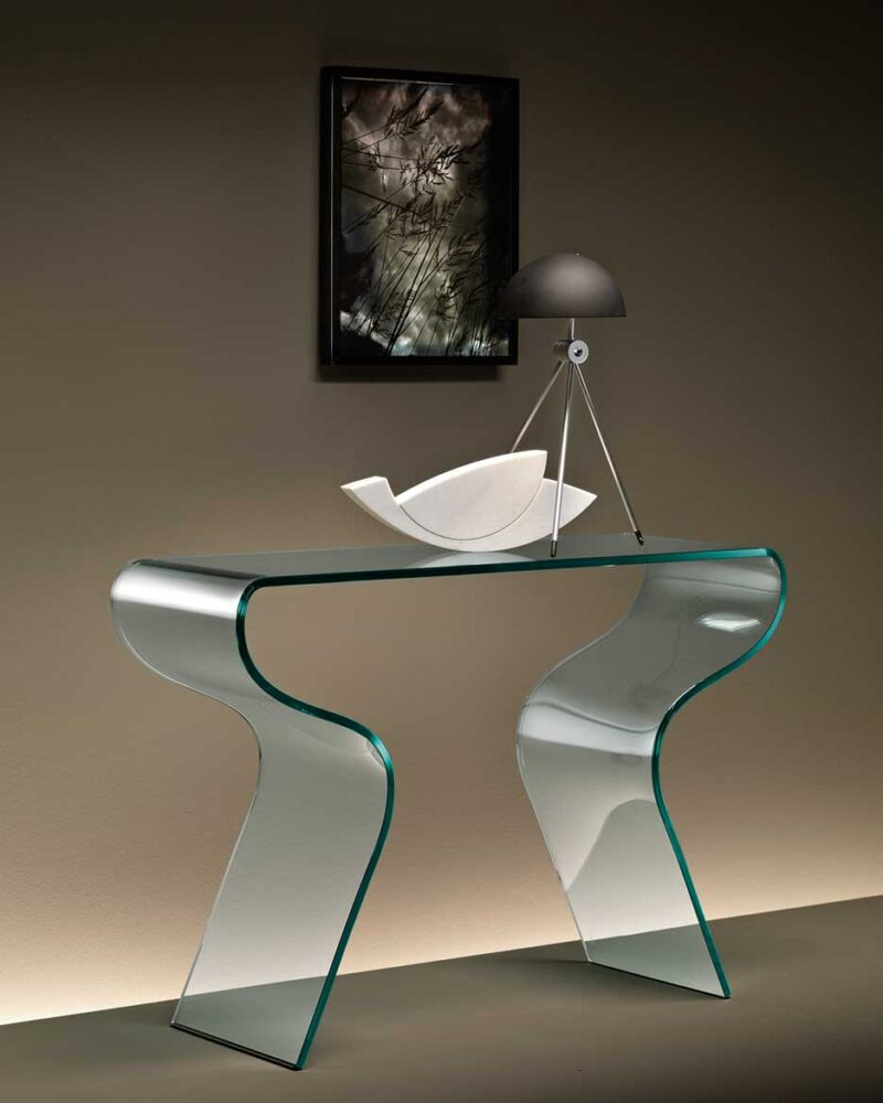 Charlotte Console in 15 mm-thick curved glass. Also available with 10 mm-thick acid etched glass shelf.