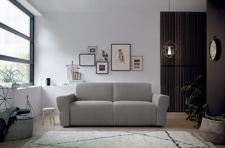 YVES For those who set no boundaries to their comfort, a cosy sofa with a strong sense of presence able to take centre stage.