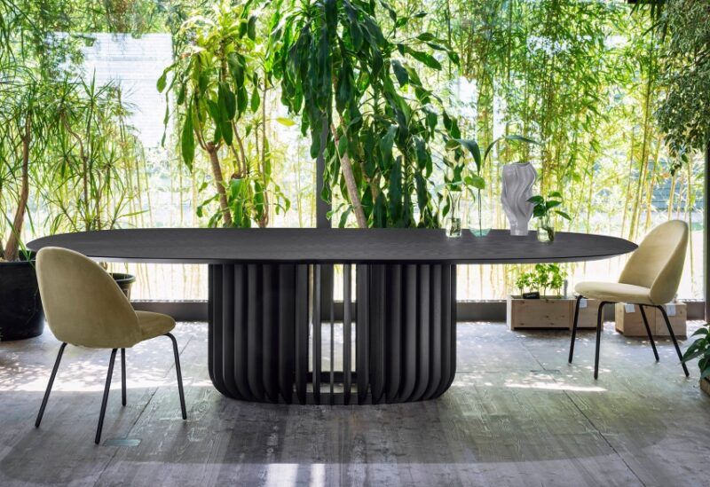Juice Juice is a monumental table with a meditative air.